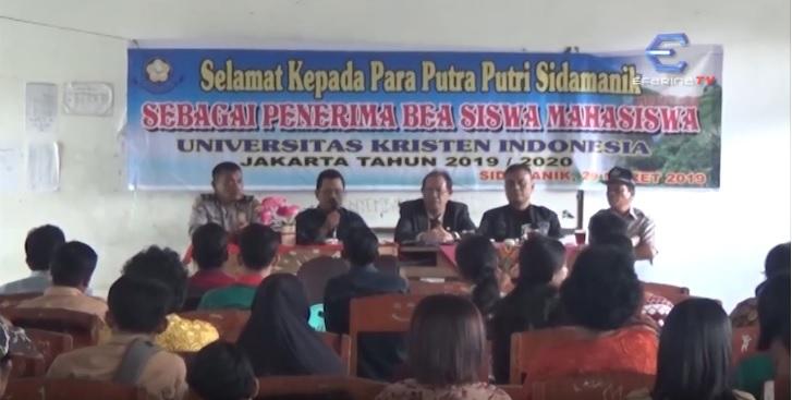 Putra - Putri Sidamanik Mendapat Beasiswa dari Universitas Kristen Indonesia
