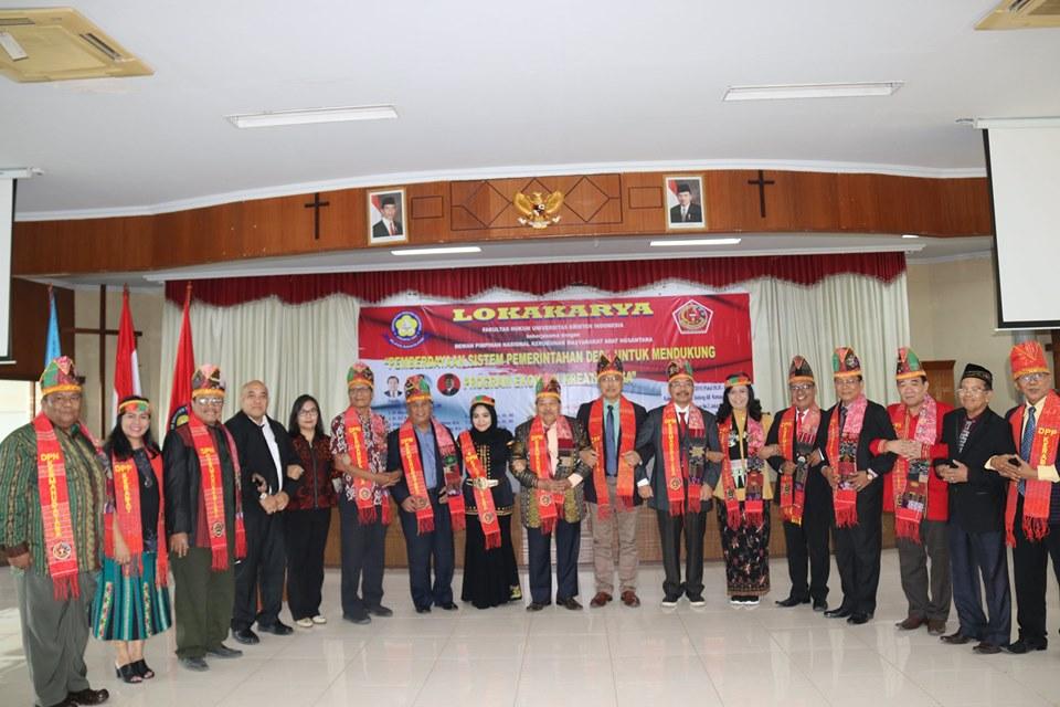 """""""Pemberdayaan Sistem Pemerintahan Desa untuk Mendukung Program Ekonomi Kreatif Desa."""" Fakultas Hukum Universitas Kristen Indonesia bekerjasama dengan"""
