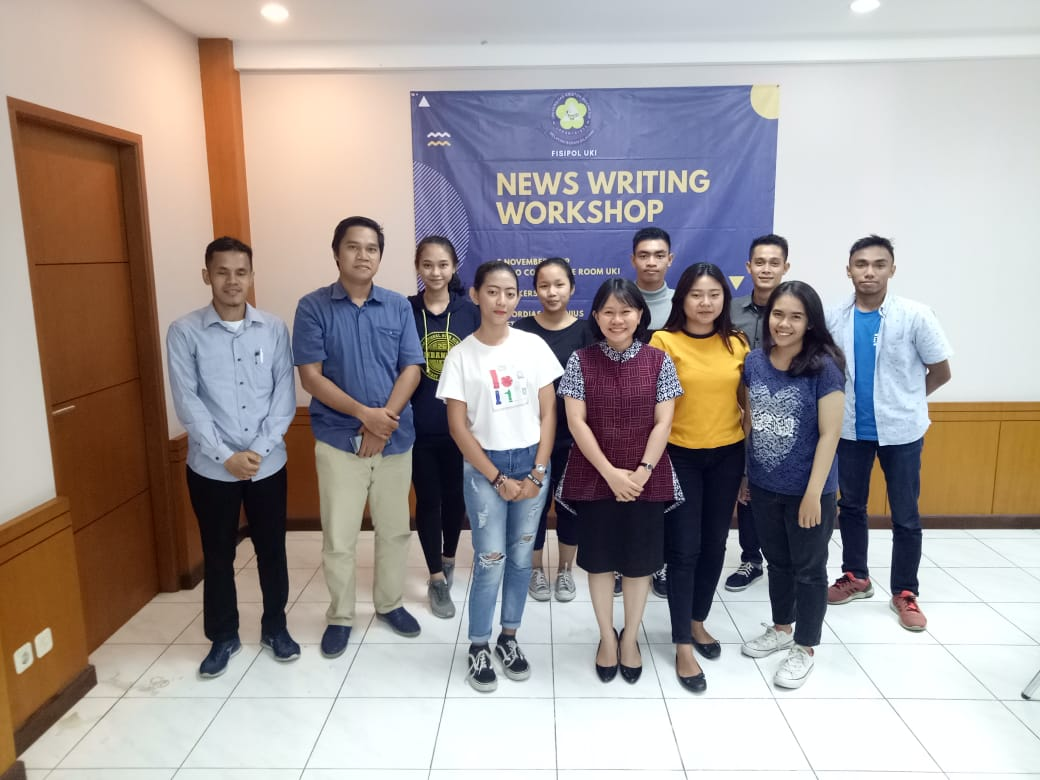 News Writing Workshop Fisipol UKI
