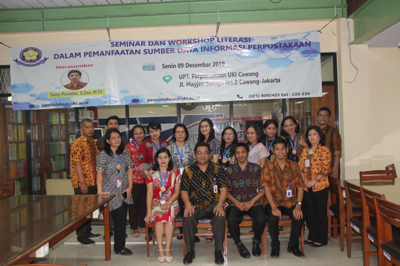 Seminar dan Workshop Literasi dalam Pemanfaatan Sumber Daya Informasi Perpustakaan