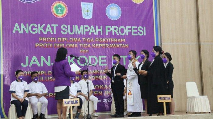 Angkat Sumpah Profesi dan Janji Kode Etik Fakultas Vokasi Universitas Kristen Indonesia Tahun Akademik 2019/2020