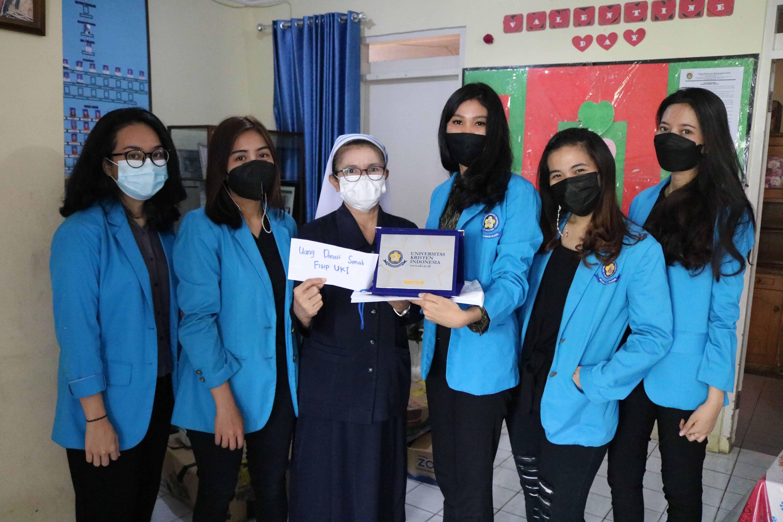 Departemen 3 Senat Mahasiswa FISIPOL  UKI,  laksanakan kegiatan PkM di tengah situasi pandemi Covid-19.